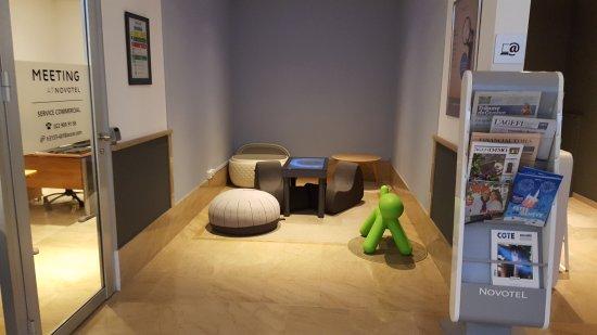 Novotel Geneve Centre : Kids play area... so to speak.