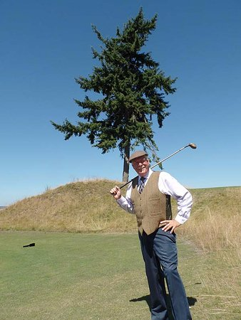 University Place, WA: The iconic tree of Chambers Bay —the ONLY tree on the entire course