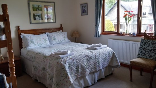 Caledonian Cottage Bed and Breakfast: 20170625_172200_HDR_large.jpg