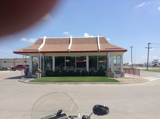 Hugoton, KS: front