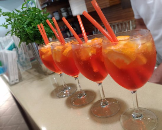 San Mauro Torinese, Italy: Spritz in serie Beppe Style!