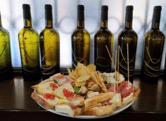 San Mauro Torinese, Italy: Esempio di una creazione della mitica Lina, per l'aperitivo alla Caffetteria sul Po!