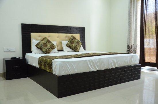 Family Super Deluxe Room - Picture Of Anamsa Residency  Vrindavan