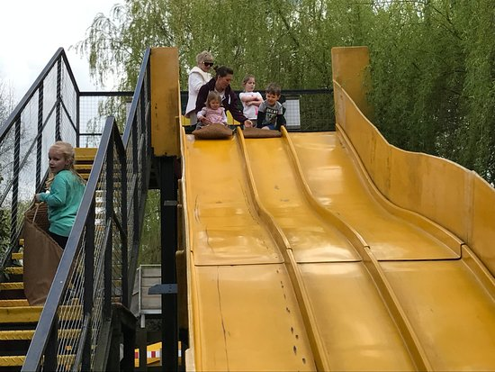 Reedham, UK: Slide by sandpit -my grand-daughter's favourite.