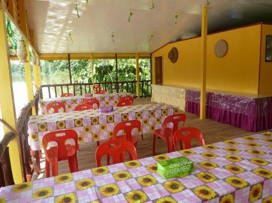 Kinabatangan District, Malasia: Dining / chilling area