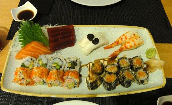 Bandeja de sushi muy muy muy bueno leo restaurante tripadvisor - Bandejas para sushi ...