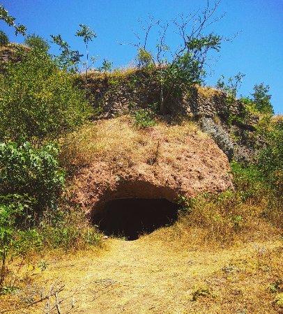 Syunik Province, Armenia: пещера