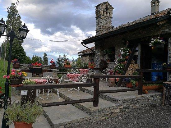 Saint Nicolas, İtalya: l'ingresso del ristorante
