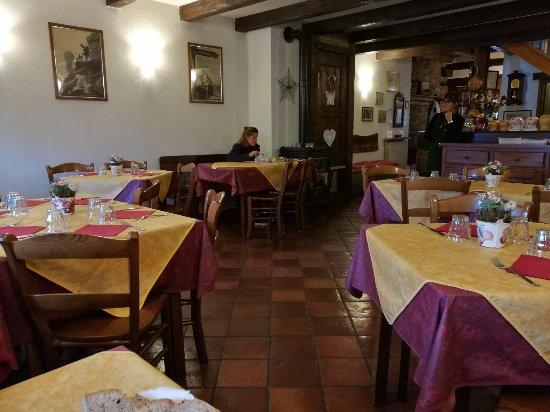 Saint Nicolas, إيطاليا: la sala interna