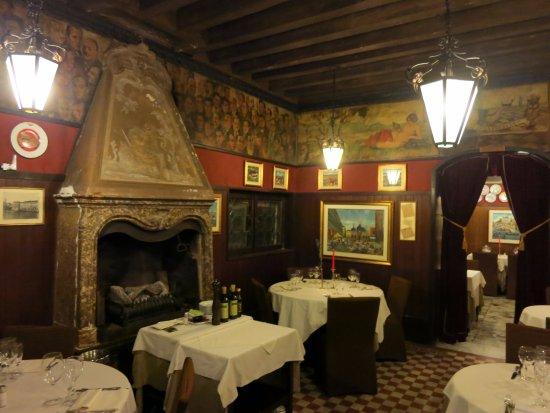 Antica Trattoria Poste Vecie : Interior del restaurante
