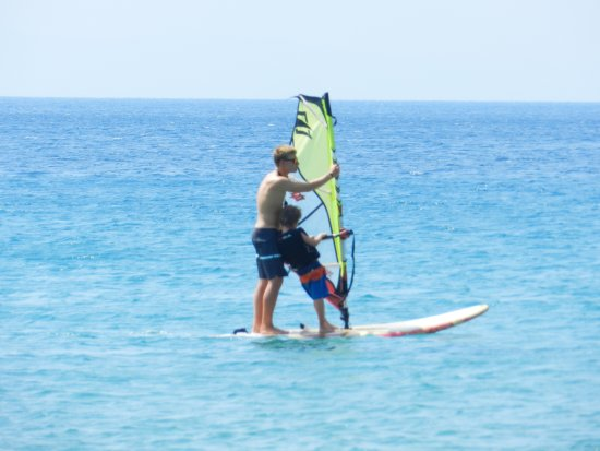 Kypri, اليونان: Catching some wind!