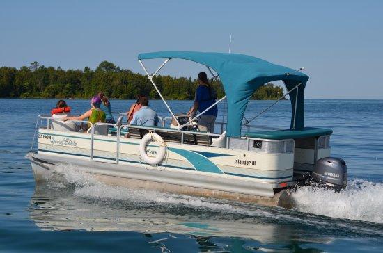 Wiarton, Καναδάς: Bruce Peninsula Boat Tours