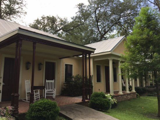 Darrow, LA: You stay in newly built cabins, not the main house.