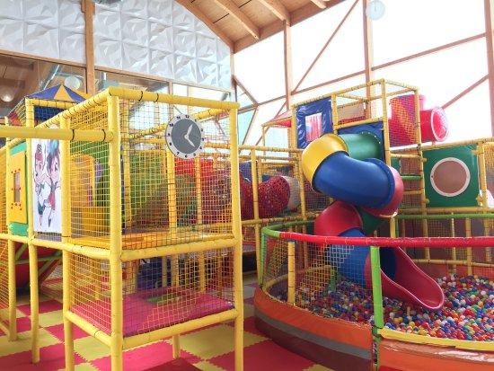 Feistritz im Rosental, Oostenrijk: Pool und Indoor-Spielplatz