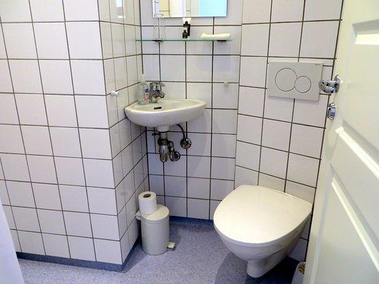 Piepklein wasbakje bild von hotel nora copenhagen kopenhagen