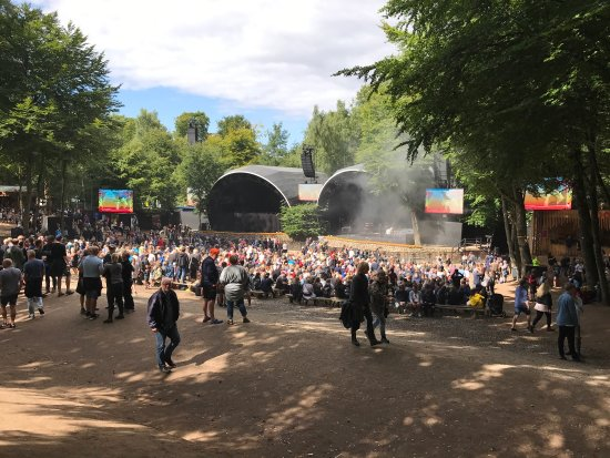 Skanderborg, Danmark: Bøgescenen om søndagen