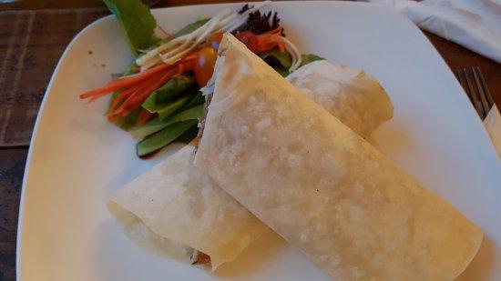 Buena comida vegetariana picture of artillery phnom for Comida buena