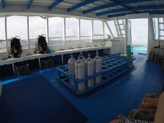 Maafushi Island: Plenty of space on the boat
