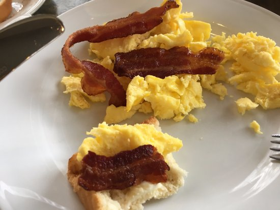 Hilton Garden Inn Green Bay: Ótimo café da manhã