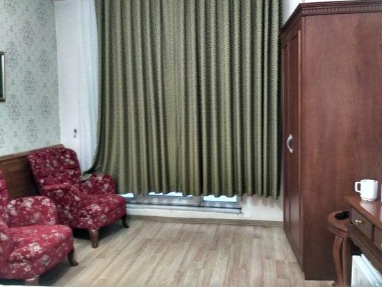 Basileus Hotel: IMG_20170808_190747_HDR_large.jpg