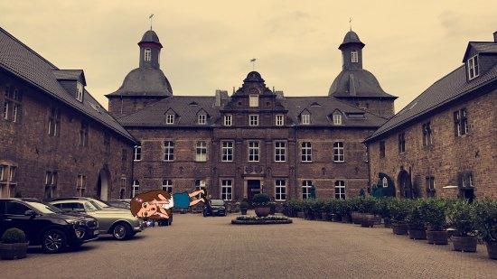Schlosshotel Hugenpoet: photo4.jpg