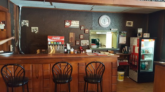 Whitefish, Canada : Bar and cashier on right desk