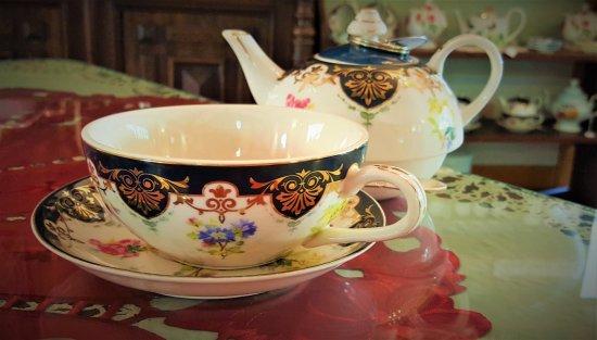 Staunton, VA: Glengettie Tea/Tea Service