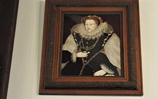 Staunton, VA: Queen Elizabeth watching our tea