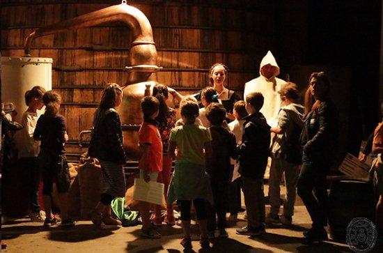 Voiron, France: Des visites pour les enfants aux Caves de la Chartreuse