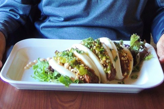 Truffle Pigs Bistro & Lounge: Pulled Pork Tacos