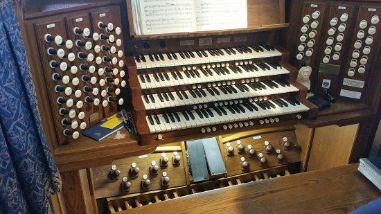 St. Mary's Church: Lovely organ