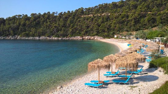 Leftos Gialos Beach
