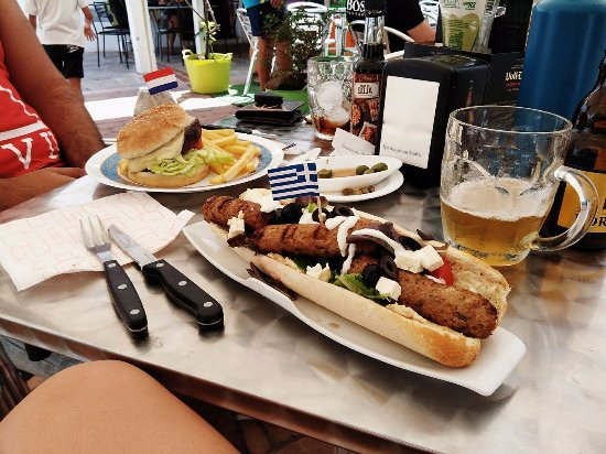 Jimera de Libar, Spanje: Delicious veggie Greek-style hot dog.