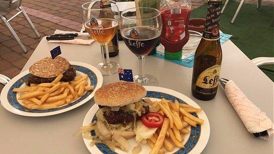 Jimera de Libar, Spain: Great burgers!