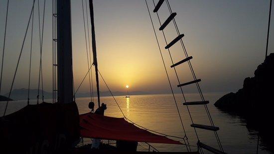 J Diving Center, MSY OKYANUS JD: Her sabah başka bir manzarada uyanış. Waking up in the different scenery each morning. TÜRKİYE