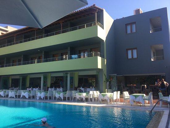 Foto de la piscine art hotel skiathos for Art piscine hotel skiathos