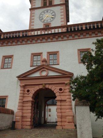 Augustusburg, Alemania: Der Eingang zum Schloßgelände