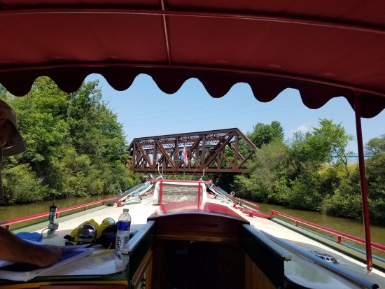 Mid-Lakes Navigation: Passing under on of the many bridges on the way to Spencerport.