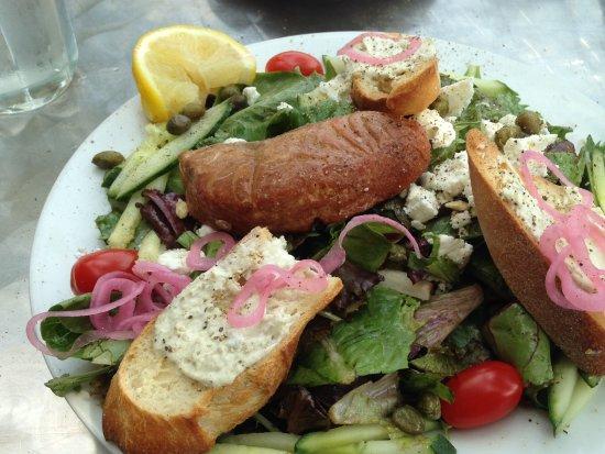 Orangeville, Canada: smoked salmon salad