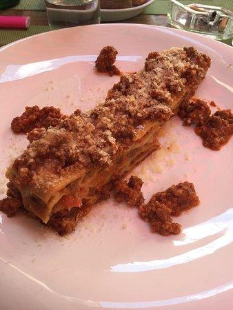 Raviolis, foccacia de l'apéritif et les lasagnes.