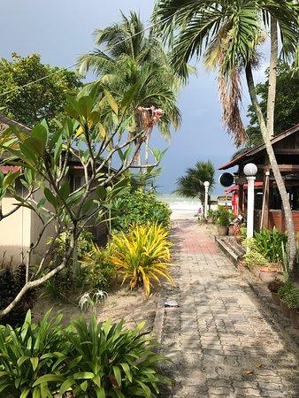 Foto de Langkapuri Beach Resort