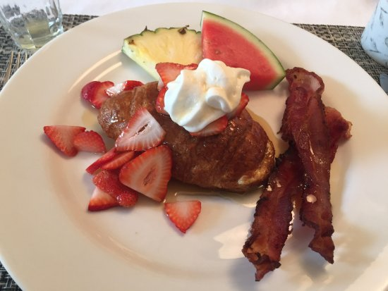 Ogopogo B & B: Another fabulous breakfasr