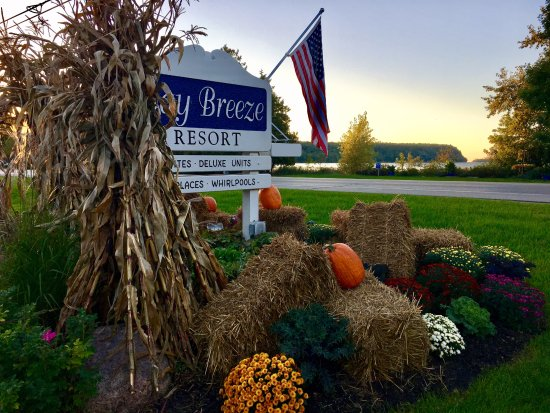 Bay Breeze Resort: Fall in Door County.