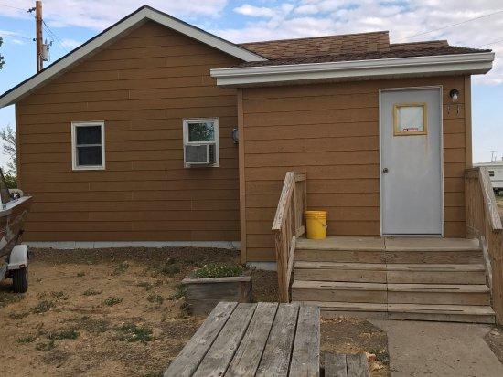 Fort Peck, MT: Cabin 11