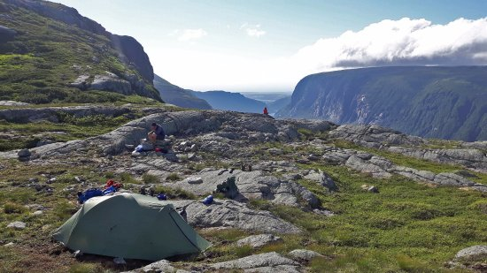 Norris Point, Kanada: Your kitchen, accommodation, and living room.  10 Mile Pond, Long Range Traverse
