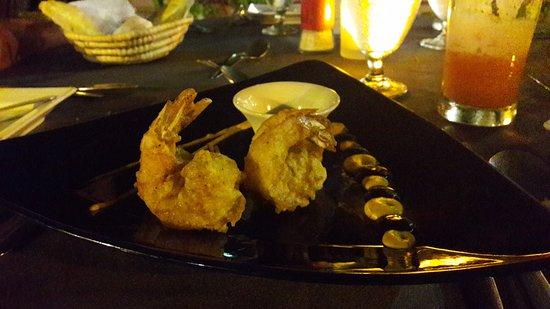 Buzz Seafood and Grill: tempura de crevettes