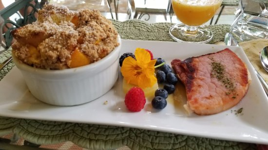 Hill House Bed & Breakfast: Delicious breakfast!
