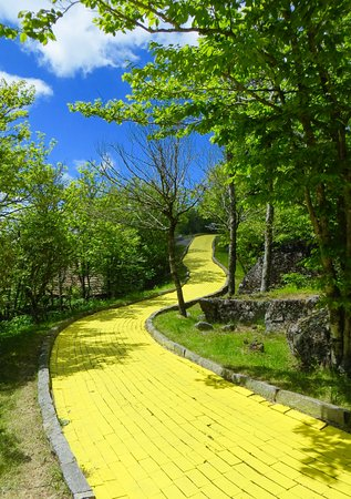 Beech Mountain, NC: Yellow Brick Road