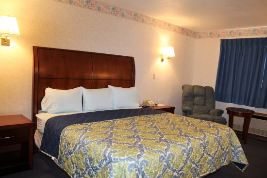 Decatur, IN: King Room