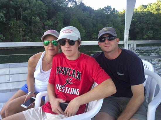 Wheeler Lake Scenic Cruises: Casting Off